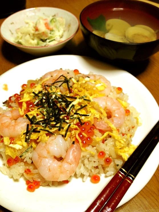 http://www.tjf.or.jp/clicknippon/ja/365/pics/tomomi_hinamatsuri01.jpg